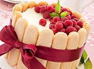 香气扑鼻的树莓蛋糕图片