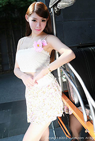 MARA醬白色吊带短裙清纯写真