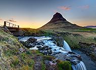 迷人的冰岛瀑布风景高清图片