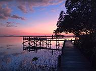 唯美的海边码头黄昏风景图片