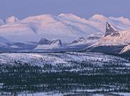瑞典冬日白茫茫的雪景壁纸