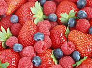鲜红甜美的草莓蛋糕图片