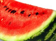 清凉夏日必备鲜红甜美西瓜图片