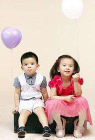 刘涛携儿女拍摄温馨超有爱写真