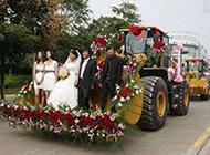 婚礼恶搞图片之气派的接婚仪式