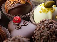 精美香醇的黑巧克力图片