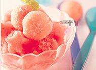 水果冰淇淋球鲜美诱人