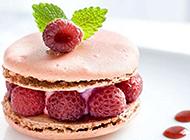 巧克力奶油树莓蛋糕精美图片