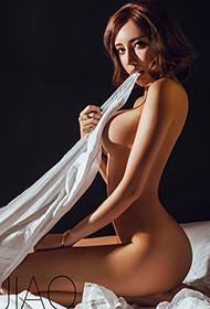中国漂亮美女的性感人体艺术图片欣赏
