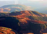 红土地秀丽山河自然风景壁纸