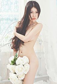 丰满美女清晨人体艺术摄影图片