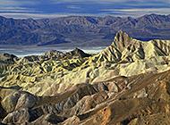 山水自然风景俯瞰远景图片