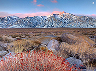 加利福尼亚远在山边的风景图片