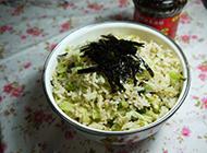 美味可口的海苔菜丝炒饭