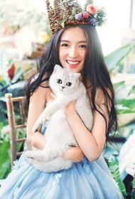 美女歌手潘辰唯美清新写真