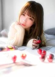 韩国清纯美女床上大胆人体艺术写真