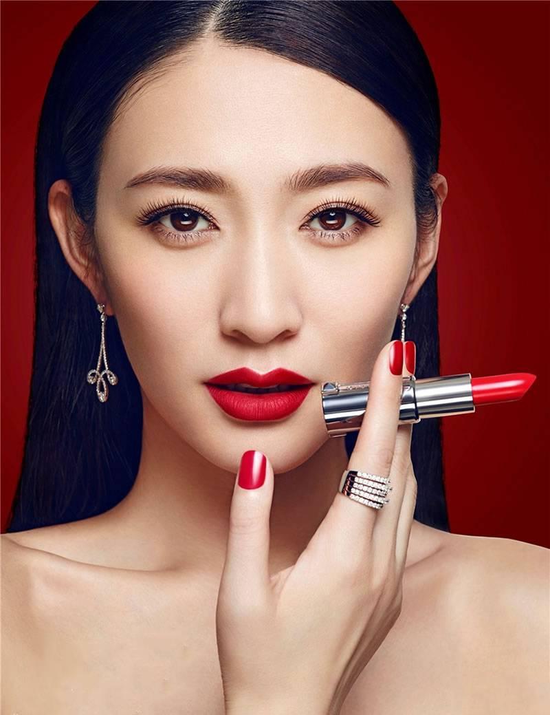 李小冉性感红唇优雅女人魅力范