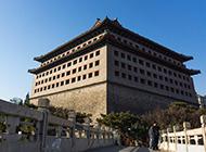 明城墙遗址公园名胜古迹初秋美景图