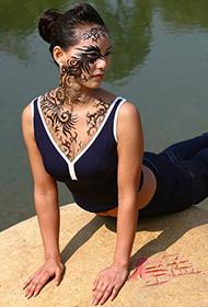庞国华瑜伽人体彩绘高清组图