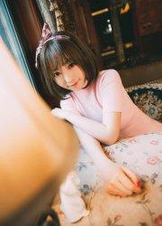 韩国短发女神诱惑性感人体写真