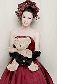 刘著甜美温馨个性婚纱写真照