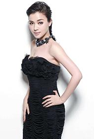 陈思思黑色性感礼服尽显女人魅力写真
