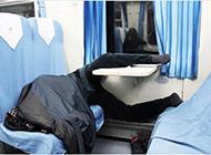 火车上各种爆棚的睡姿搞笑图片