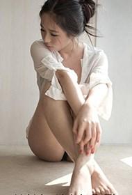气质韩国美女人体艺术写真