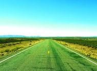 戈壁的公路高清图片