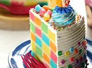 双层彩虹蛋糕图片色彩鲜艳
