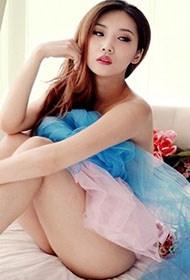 美艳台湾美女人体艺术写真