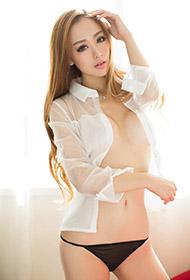 嫩模刘嘉琦白色衬衫丁字裤展千娇百媚魅力