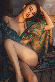 90后性感女神麻艘小妮子时尚写真大片