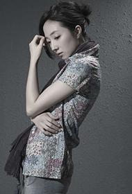 台湾女演员桂纶镁散发文艺气息写真