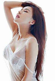 优星馆美女吕婉柔Angelin私房内衣写真