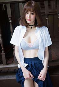 90后性感美眉Cheryl青树最新旅拍写真
