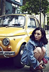 中国女星小宋佳伦敦清纯街拍照