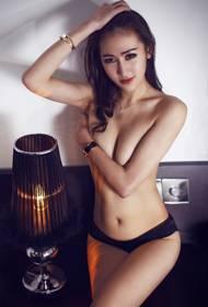 性感美女刘莉莉私房大胆写真照
