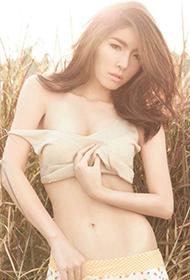泰国美女模特轻纱遮体豪放扯衣