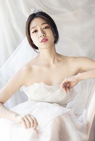 女神朴信惠白色婚纱唯美迷人写真