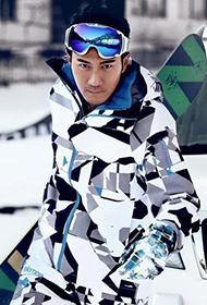 香港男明星刘恺威冰雪时尚大片