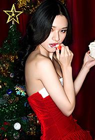 马冰玉圣诞节火辣性感主题写真