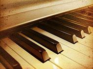 钢琴复古图片唯美背景图