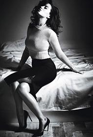 凯蒂·佩里尽展妖艳风情迷人照
