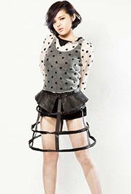 女歌手刘思涵展现独特魅力写真