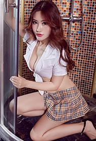 性感尤物美女王闵多高跟鞋秀长腿图片