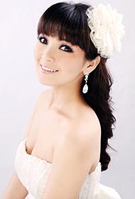 华语女歌手斯琴高丽婚纱唯美写真