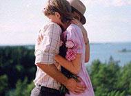 爱是累时的一个拥抱