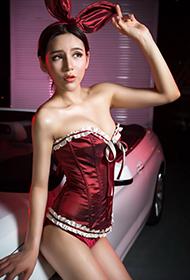 中国最美车模汤天颖魅惑写真照