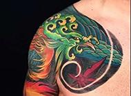 霸气半甲彩绘孔雀纹身图片